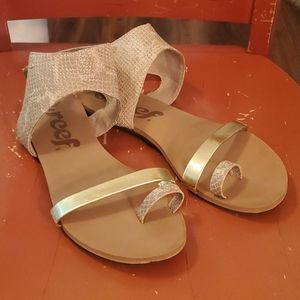 Reef Ankle wrap sandals size 9
